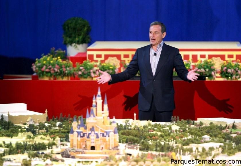 El resort de Disney en Shanghái cuenta con un parque Disneyland con seis áreas temáticas, innovadoras atracciones y entretenimiento diseñado especialmente para los visitantes chinos.