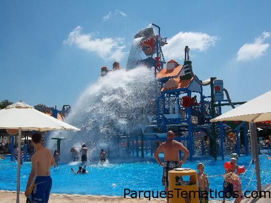 Parque Acuático Fasouri Watermania   Limassol, Chipre