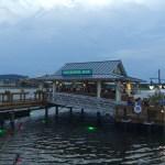 Bar que da al lago, y forma parte de The Boathouse
