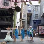 En Diagon Alley se presentan shows musicales muy animados