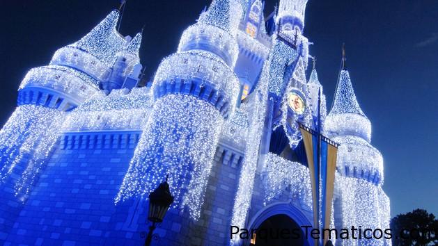 Disney's Holiday D-Lights es un evento pensado para adultos y su valor es de USD259