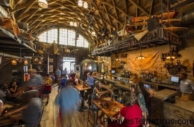 Jock Lindsey's Hangar Bar Abre sus Puertas en Disney Springs