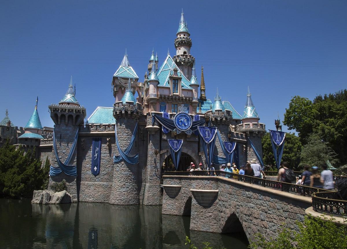 Disneylandia ofrece boletos a precios especiales por tiempo limitado para los residentes del Sur de California a partir de 2016