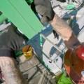 Se instala la última pieza de los nuevos rieles de The Incredible Hulk Coaster