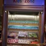 En los hoteles y los restaurantes de comidas rapidas hay heladeras con distintas bebidas