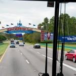 La emoción de estar llegando a tu hotel en Disney