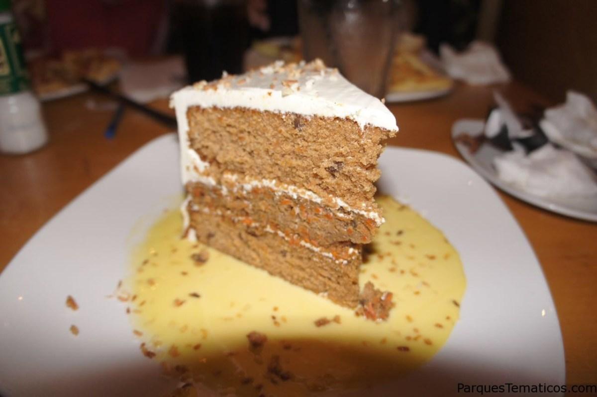 La famosa Carrot Cake en Cheese Cake Factory