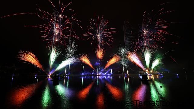Disney's Magical fireworks and bonfire 2016
