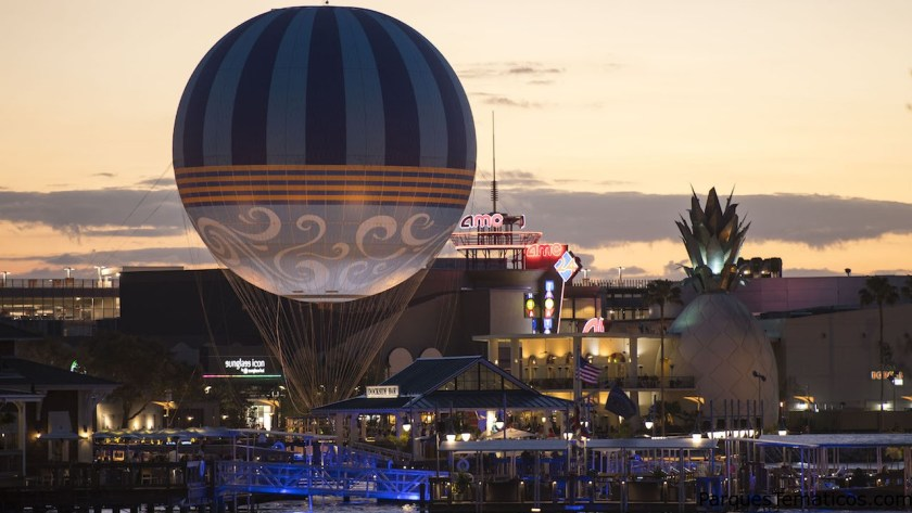 Nuevo globo con personajes se estrena en Disney Springs