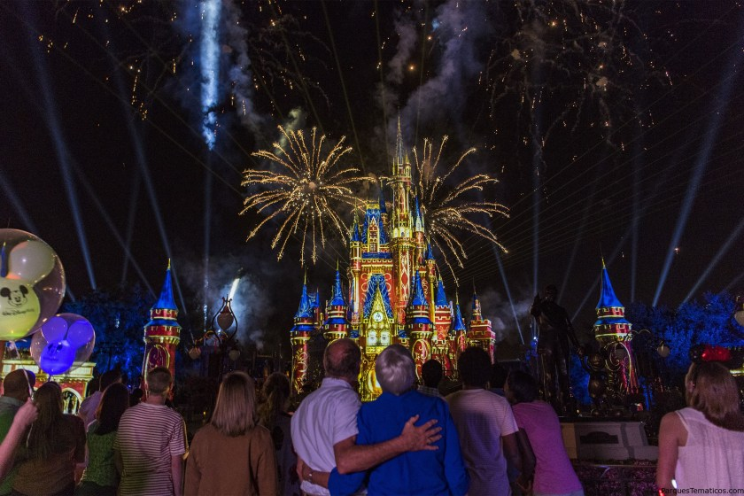 Datos curiosos sobre el nuevo show de fuegos artificiales Happily Ever After