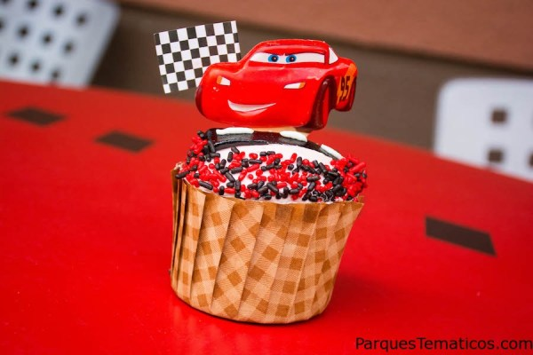 "Kachow! A new cupcake inspired by ""Cars 3"" is rolling into Disney's Hollywood Studios"