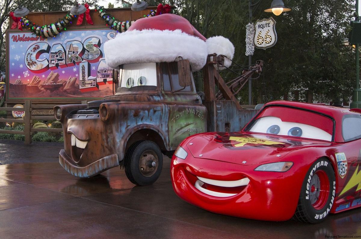Disneyland Resort celebra nueva diversión festiva en Cars Land, además de Festival of Holidays, y mucho más, del 10 de noviembre de 2017 al 7 de enero de 2018