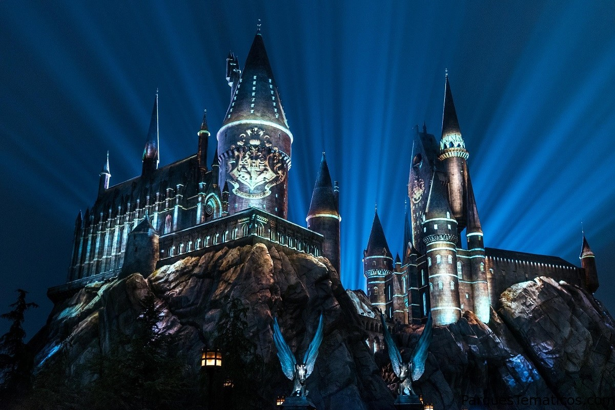Anuncian regreso de show nocturno de luces en castillo de Harry Potter