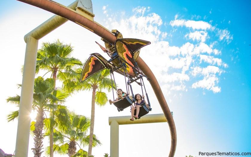 7. Vuela sobre el parque en un Pteranodon