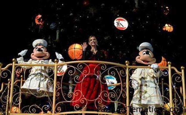 Disneyland Paris celebra el 90 aniversario de Mickey Mouse y el inicio de la Temporada de Navidad