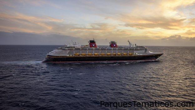Cruceros Disney ahora desde Texas combinan vacaciones tropicales con diversión navideña