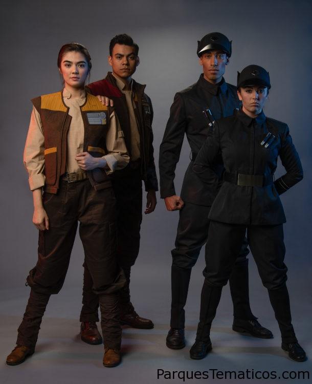 En Star Wars: Galaxy's Edge habitan criaturas, droides y extraterrestres