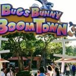 BUGS BUNNY BOOMTOWN Y DC SUPER FRIENDS ¡YA ESTÁN ABIERTAS!