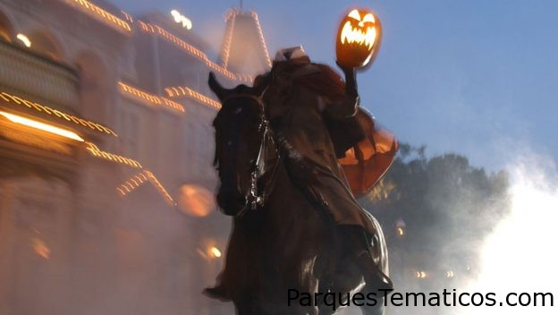 Halloween en los parques de Disney con Happy Haunts y Grinning Ghosts