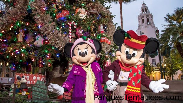 Disfruta de Holiday Magic en Disneylandia