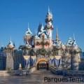 Detalles del Castillo de Invierno de la Bella Durmiente en el parque Disneyland
