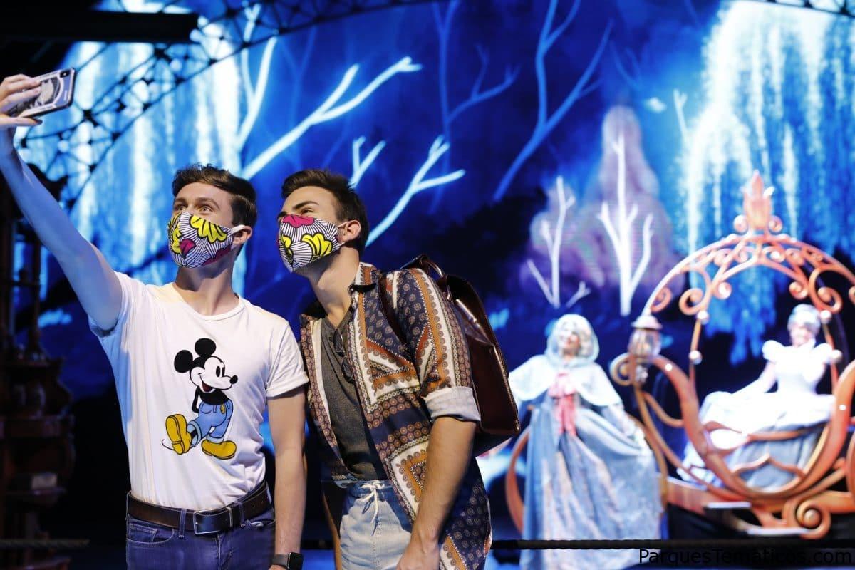 Disneyland Paris da la bienvenida oficialmente a sus invitados