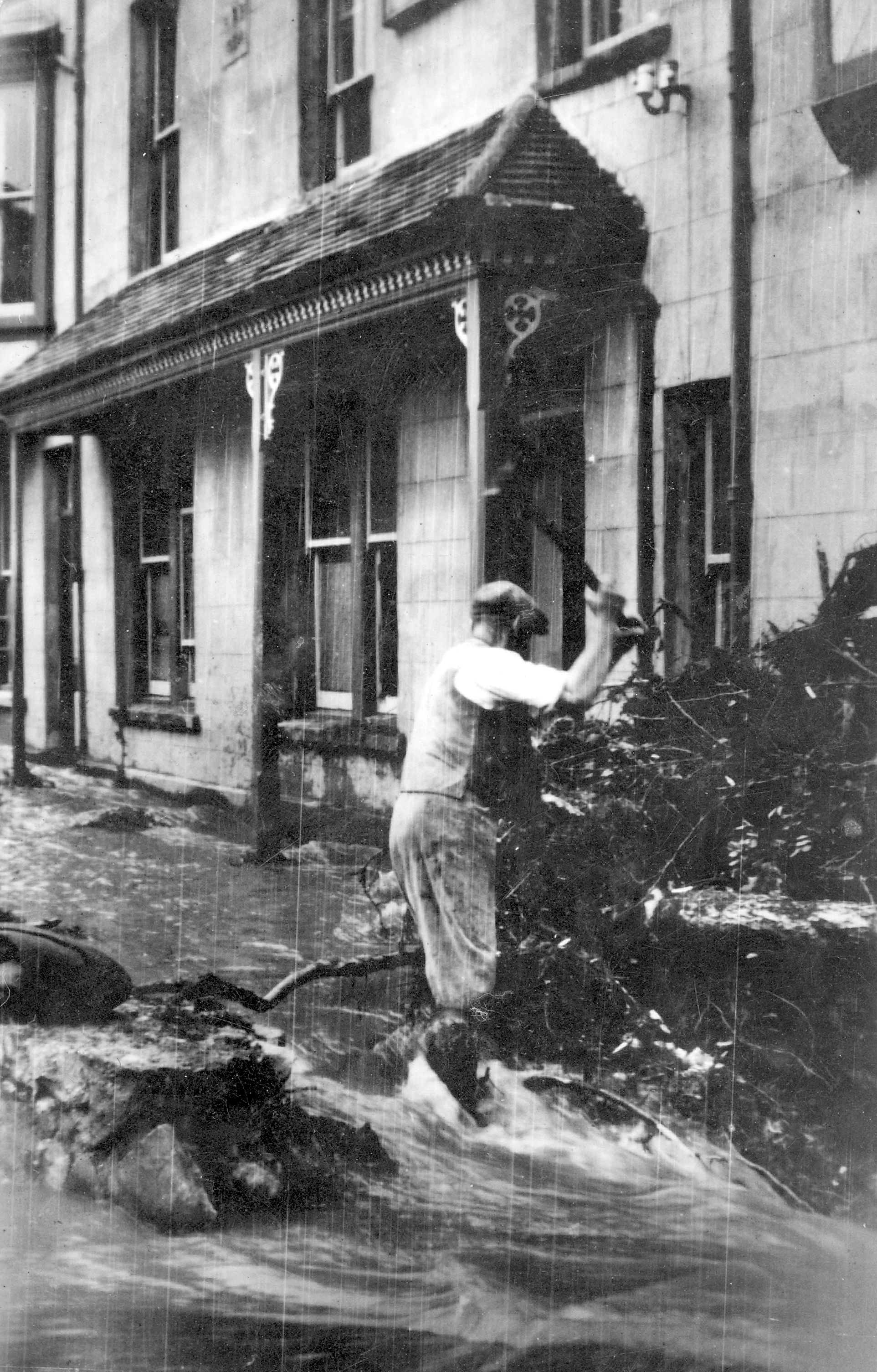 Parracombe Flood of 1952 outside Fox and Goose pub - Kind permission of Barbara Ford