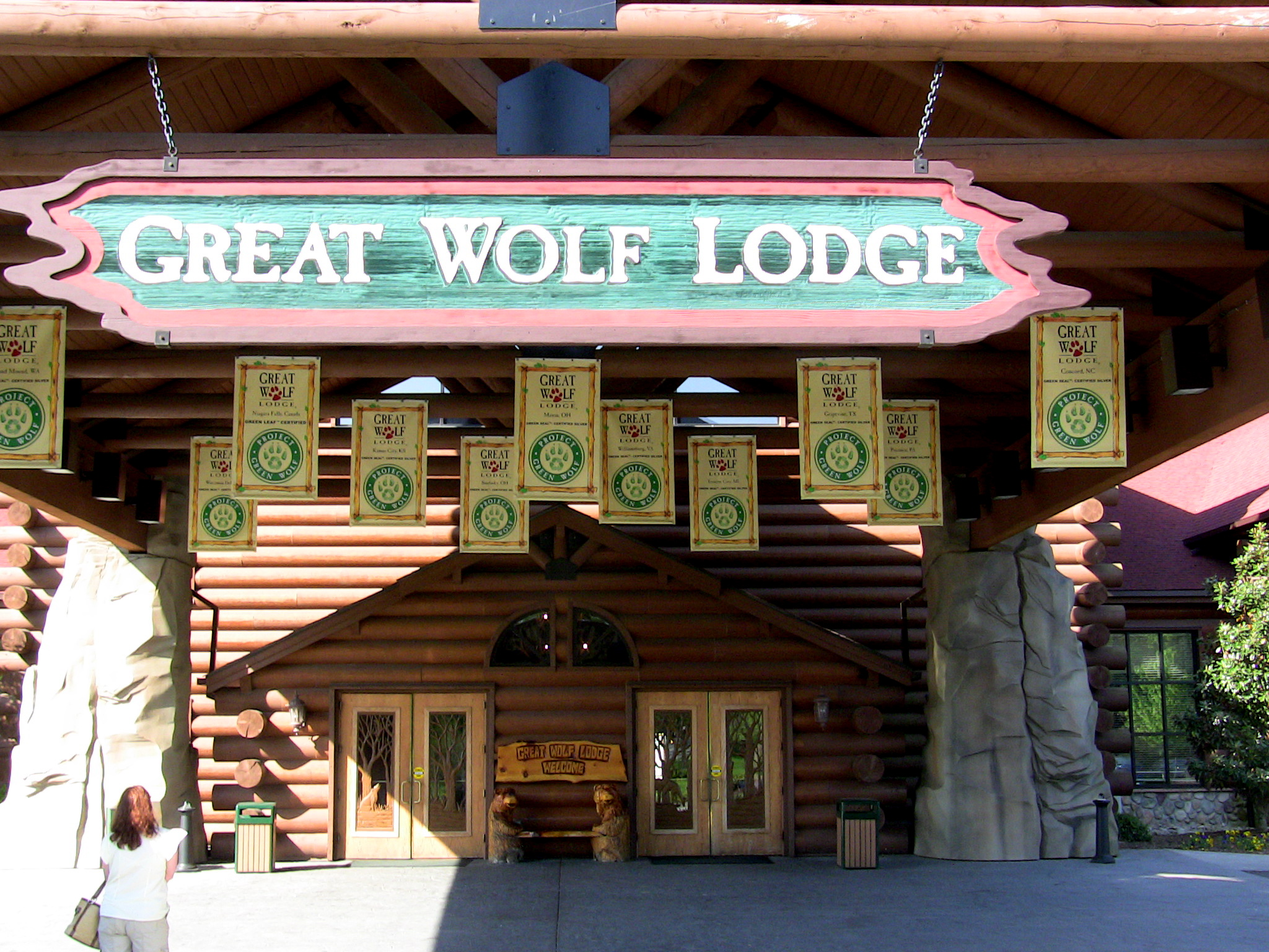 Great Wolf LodgeIm Missing the Point  Parrot Nation