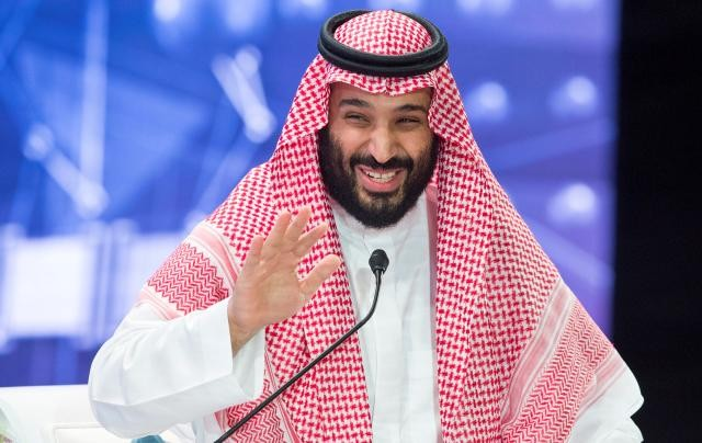 Saudi Arabia inaugurates women's football league
