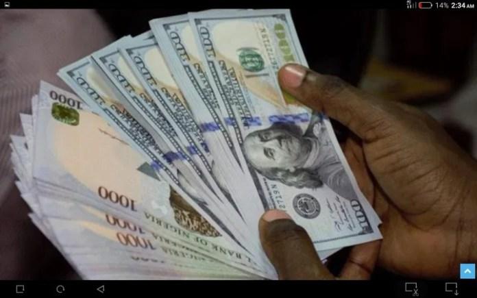 Naira Falls To N410 Per US Dollar on Parallel Market