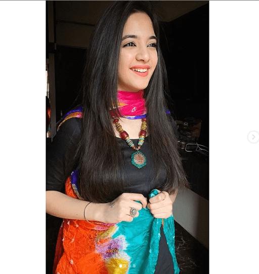 TikTok star Siya Kakkar commits suicide in India