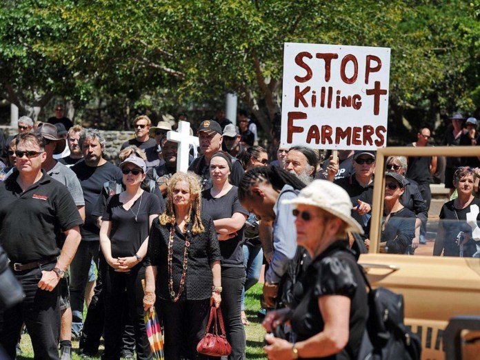 White South African farmers protest over rural killings