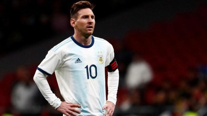 Messi is always complaining – Aguero