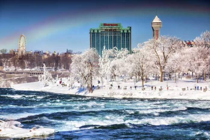 Niagara_Falls_Rainbow-1