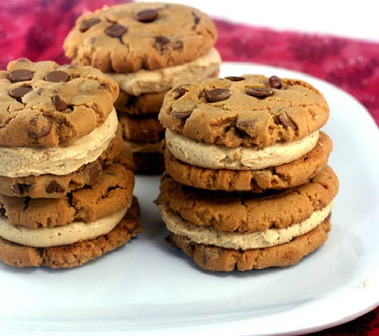 Flourless Peanut Butter Chocolate Chip Cookie Sandwiches