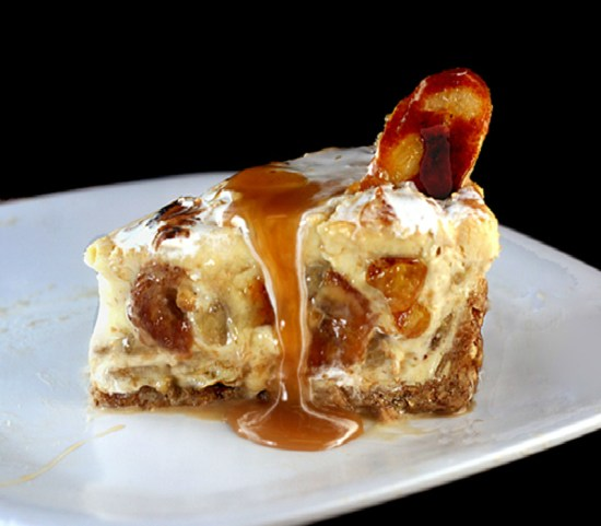 Caramel Banana Custard/Pudding Cheesecake with Salted Cashew Praline – Vanilla Wafer Crust