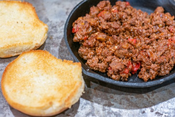 sloppy joe mix in cast iron with buns