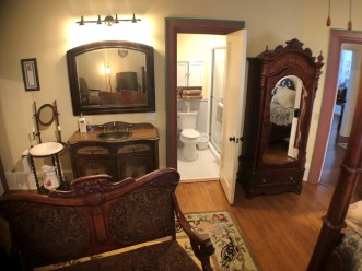 View of lavatory and bathroom in Room 1
