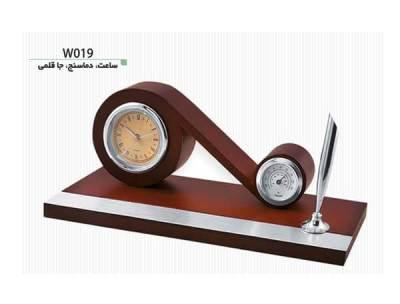 ساعت، جاقلمی و دماسنج رومیزی W019