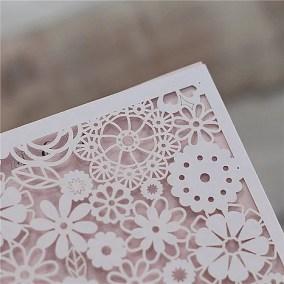 10_Partecipazione bianca e cartoncino rosa
