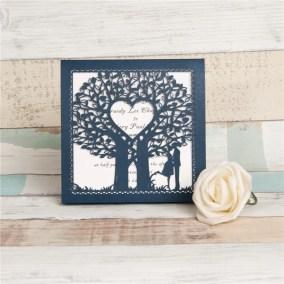 19_partecipazione blu con albero e sposi