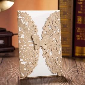40_partecipazione-rettangolare-oro-con-farfalla-interno-bianco