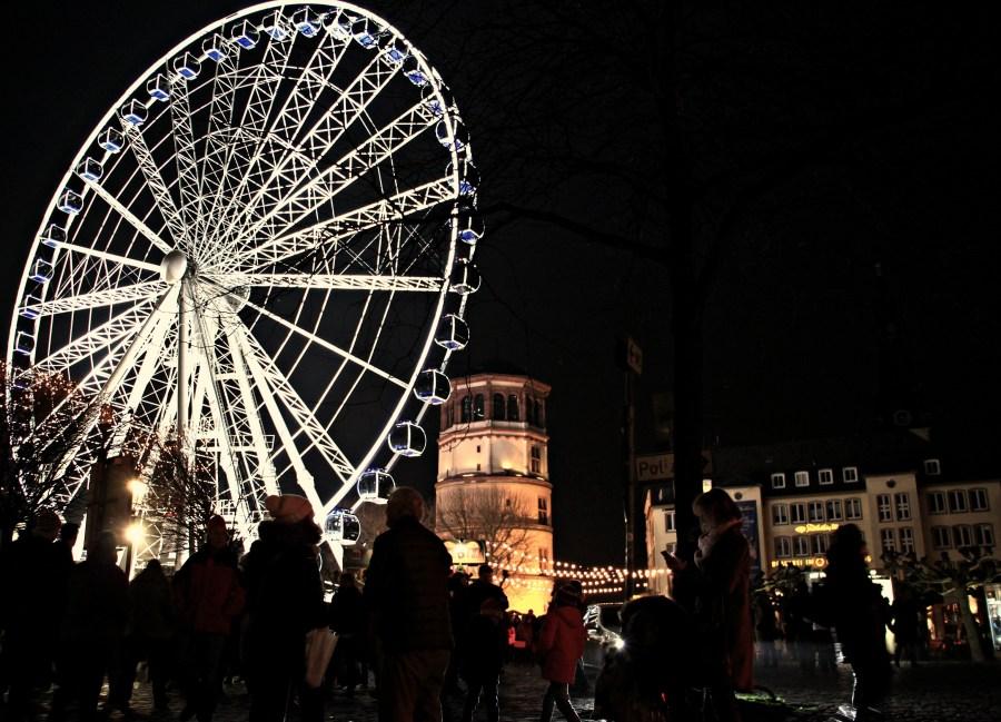 Ruota panoramica in Burgplatz, Düsseldorf