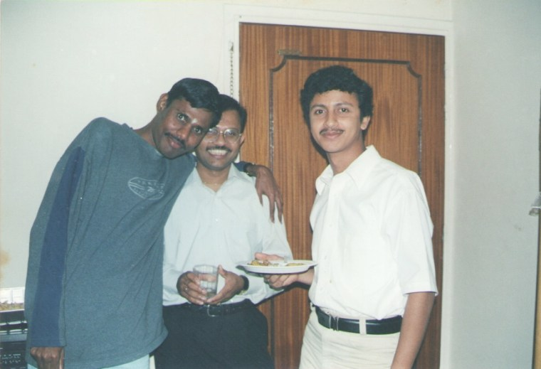 Balasubramanium, Mahesh (with specs)