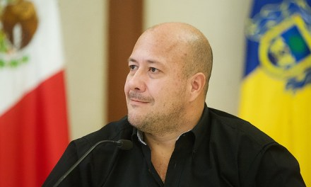 Nuevamente Alfaro exige a Pemex y a López Obrador dar la cara ante desabastecimiento de gasolina