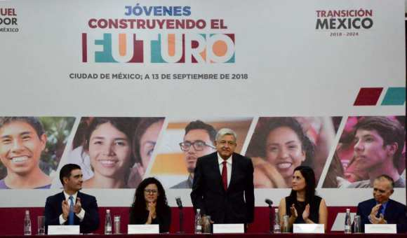 """""""El que se aflige, afloja"""", dice López Obrador sobre desabastecimiento de gasolina"""