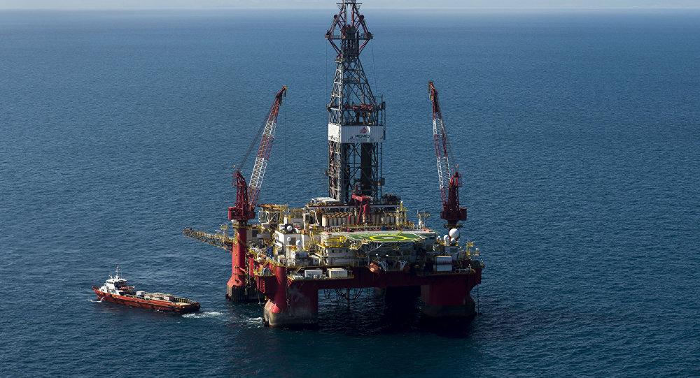 Hacienda garantiza precio promedio de 55 dólares por barril de petróleo en 2019