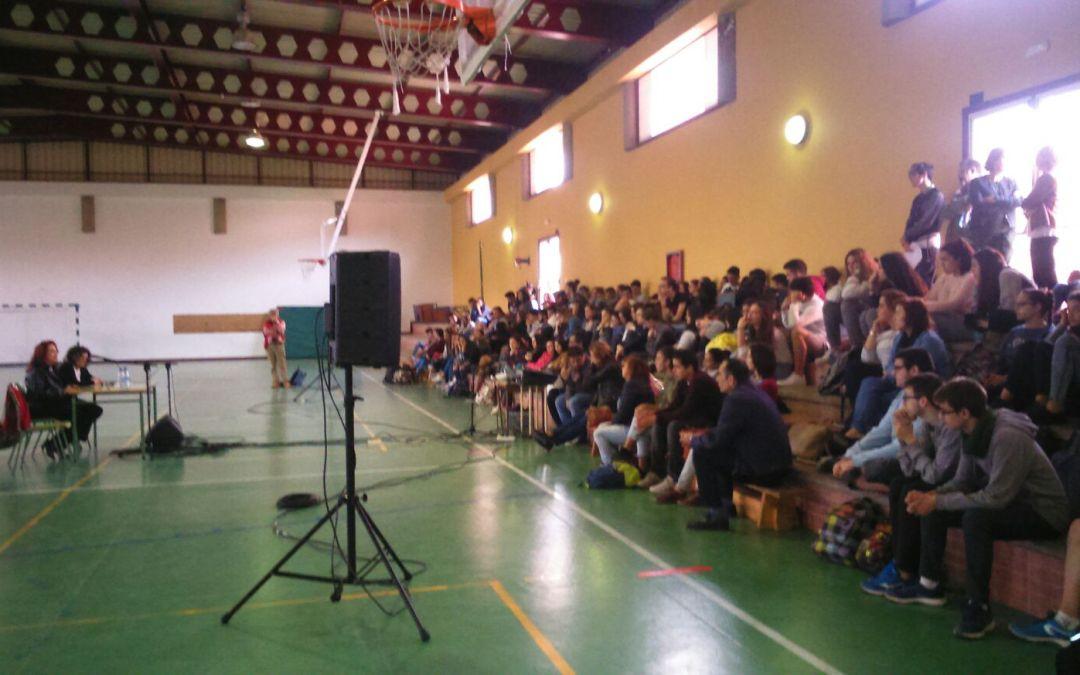 Conferencia coloquio de Lidia Falcón en el IES de Telde (Gran Canaria)