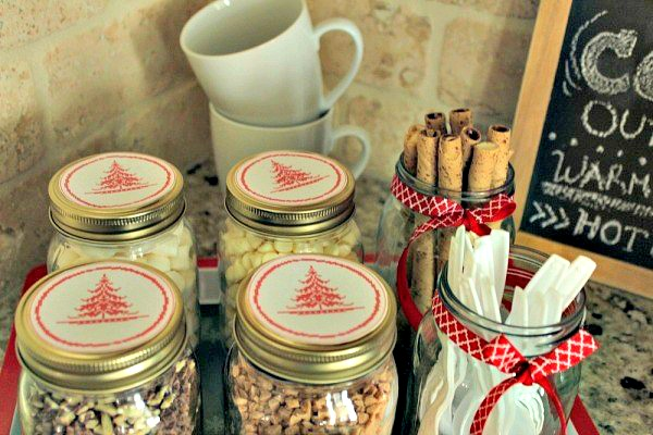 How to set up a hot cocoa bar in your home - Whether you're entertaining guests or want to have it set up for the kiddos, these hot cocoa bar includes all the ingredients to create one yummy cup of cocoa.