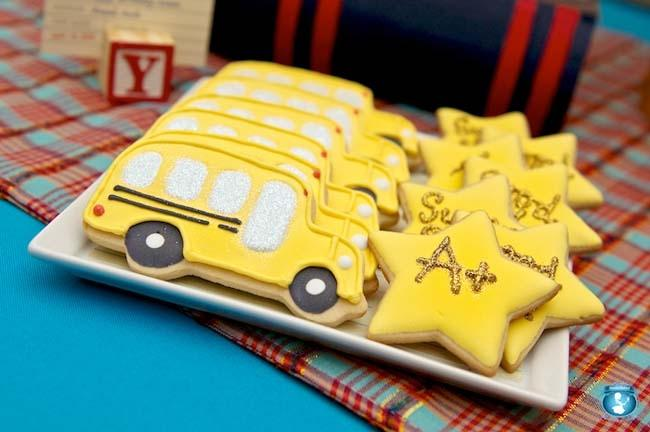 How about a back to school dessert table with cupcakes galore, pudding cups and school bus cookies?!